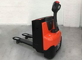 BT LWE-140 Electric Pallet Truck