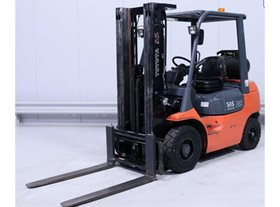 2007 Toyota LPG Counterbalance Forklift