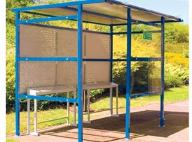7 Person Smoking Shelter with Perforated Steel Back